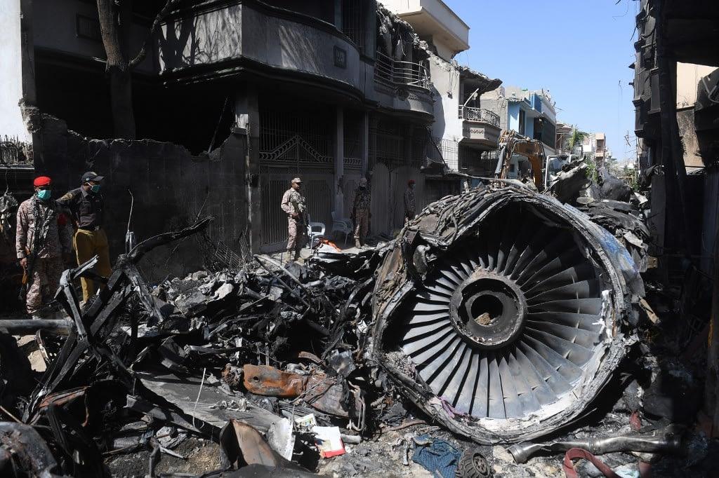 Plane crashes in Pakistan